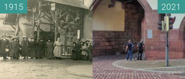 Before-and-after picture of Freiburg; Schwabentor between 1915 and 2021-Sep-16