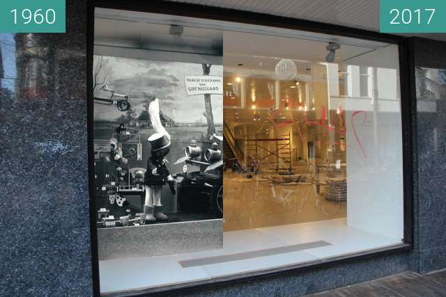 Before-and-after picture of Shop window of the 'Vroom and Dreesmann' between 1960 and 2017-Feb-21