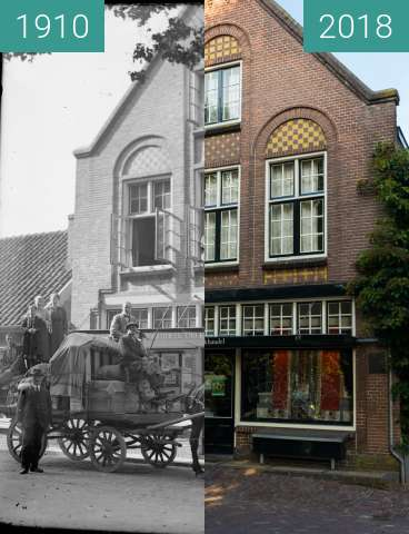 Before-and-after picture of Bookstore in Bergen (North Holland) between 1910 and 2018-Aug-15